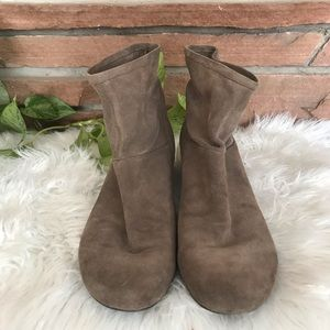 Nine West Shoes - Nine West suede booties size 8